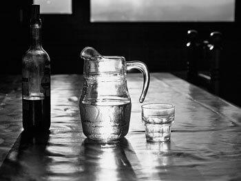 vaso de agua con cal