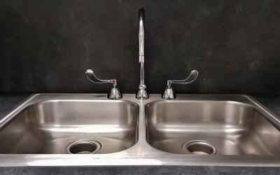 Cómo eliminar el plomo del agua potable
