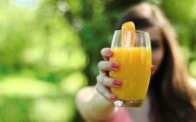 Beneficios para nuestra salud de tomar zumos