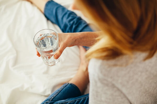 Beneficios estómago beber agua